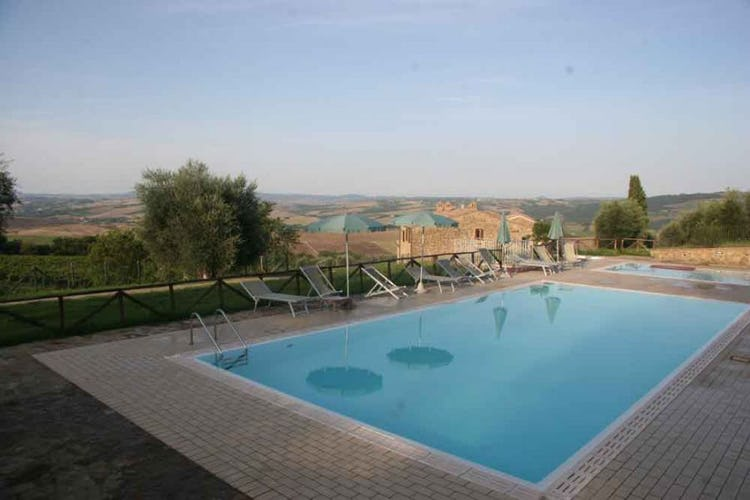 Spend time by the pool or in the nearby town of Montalcino for relax