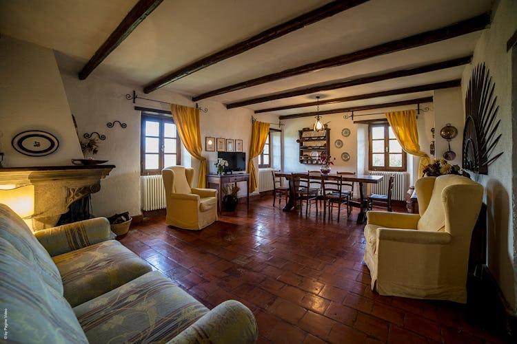 Agriturismo Ca' del Bosco - 3 degli appartamenti hanno un bellissimo caminetto