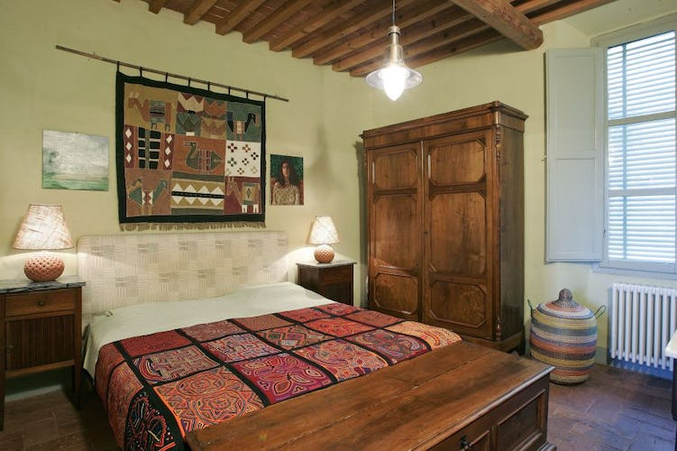 Simple Tuscan styled furnishings, Agrtirusimo Casa Rossa