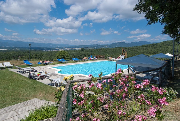 Agriturismo La Collina Delle Stelle - panoramic pool of  Casentino Valley