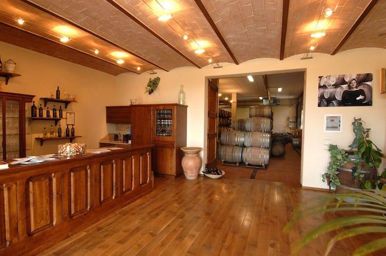 Sala degustazione Lucciolaia Agriturismo