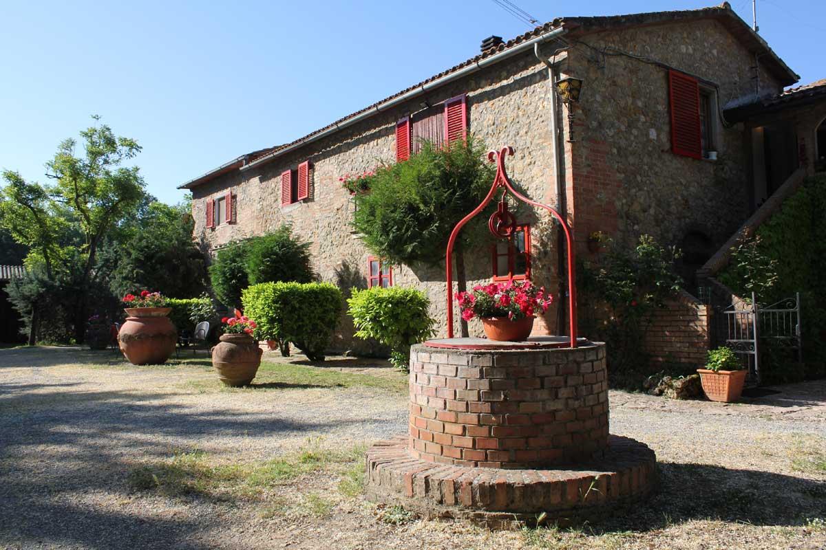 Farmhouse accommodation in siena agriturismo near siena