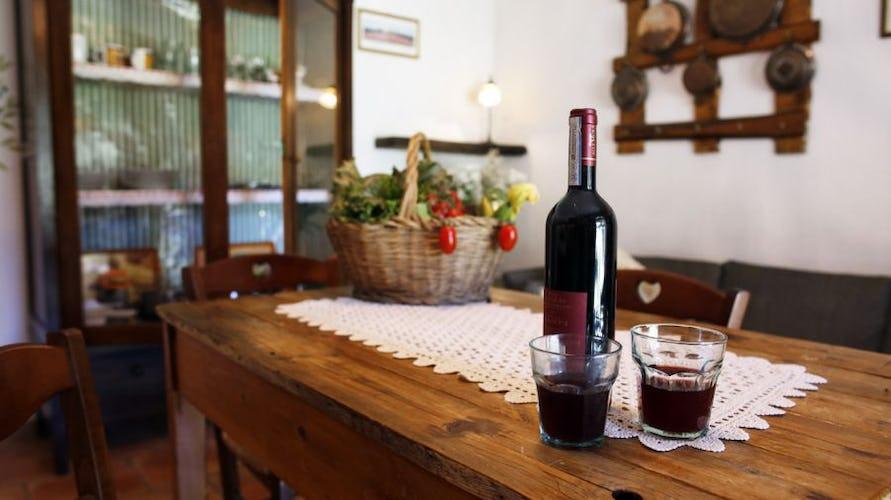 Chiedete di degustare i prodotti locali dell'agriturismo, come il vino