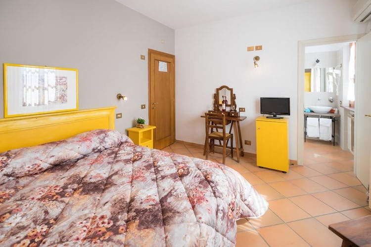 Agriturismo Palazzo Bandino - 4 double bedrooms with en suite bathrooms