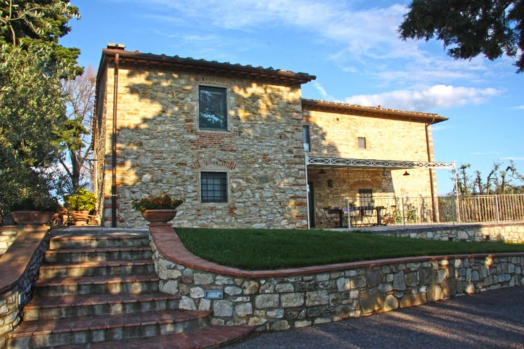 Agriturismo Vicolabate: Front facade overlooking the vineyards