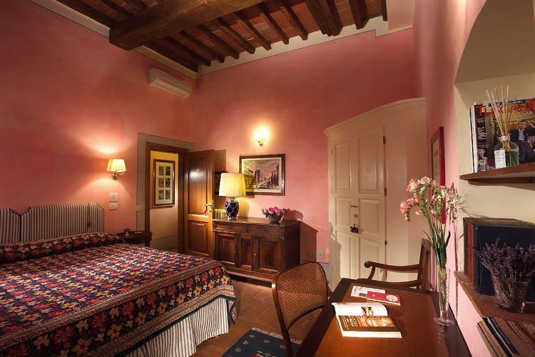Antica Dimora Firenze - Comfortable Bedroom