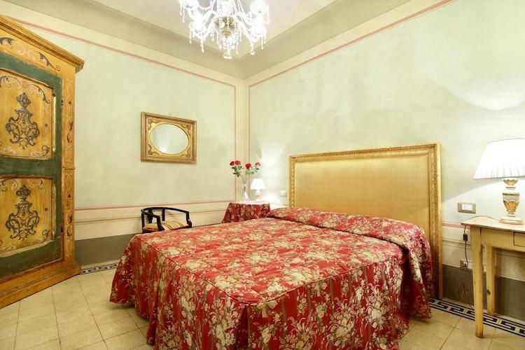 Accogliente Camera nell' Appartamento Guelfa Firen