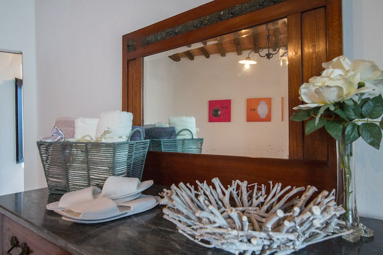 ART REBUS Tower in Chianti Classico; special extras to make your stay special