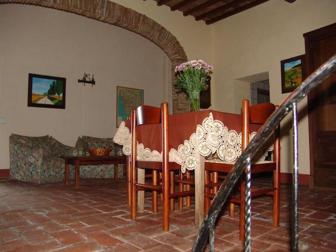 La sala da pranzo comune alle camere del primo piano