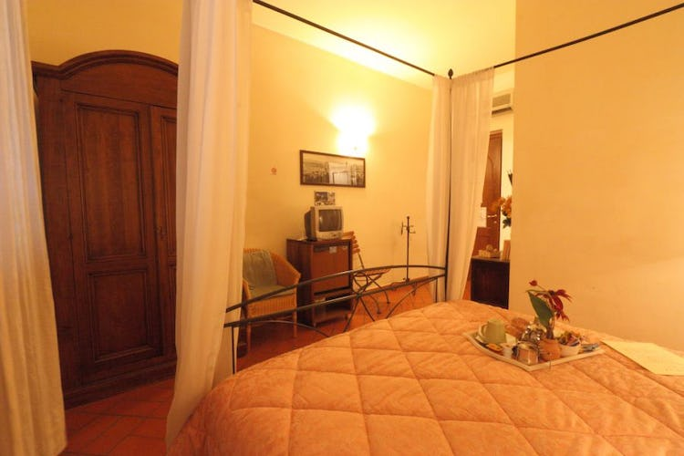 affascinante-bed-and-breakfast-firenze