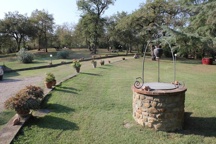 Poggio del Drago: lo splendido giardino ben tenuto ed estremamente curato