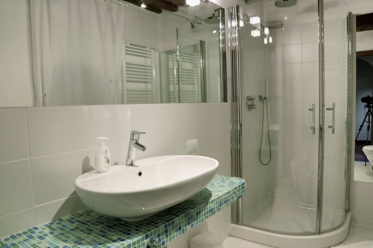 B&B del Giglio: Modern & clean bathrooms