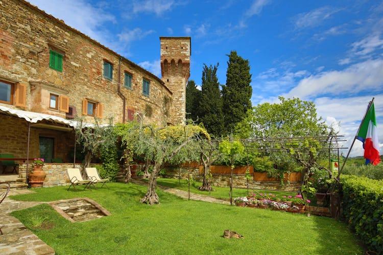 B&B Giglio - Summer garden in Chianti