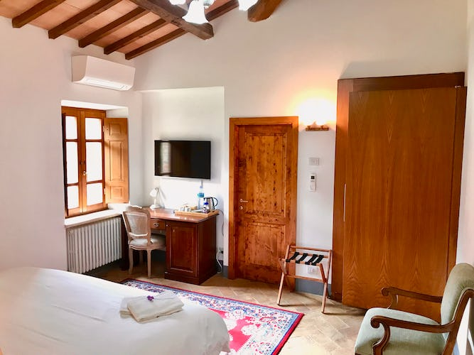 BelSentiero Estate & Country House: Air conditioning & Mini fridge in every room
