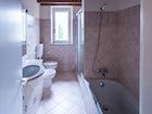 Nell'appartamento vi sono tre bagni molto spaziosi