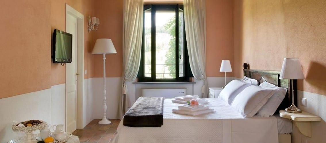 Camera Frantoiana, dotata di ogni comfort e arredata con attenzione ai minimi dettagli