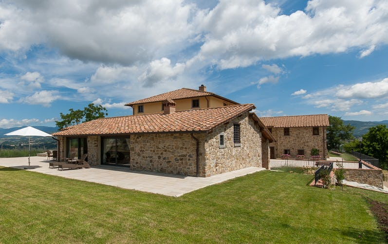Borgo La Casa in Tuscany, Casa Girasole offers two bedrooms & en suite bathrooms