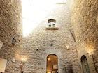 Il cortile interno vicino alla torre, splendido, raffinato ed elegante