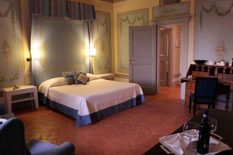 Una delle executive suites, tradizionale ed elegante nell'arredo