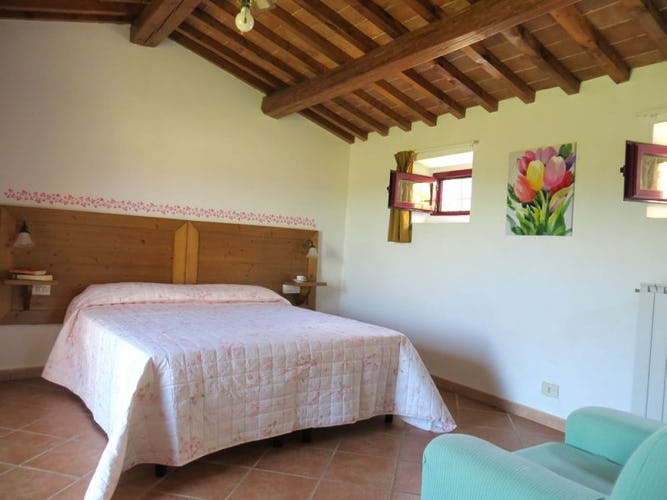 Luminous and spacious bedrooms in Borgo Sicelle holiday apartments
