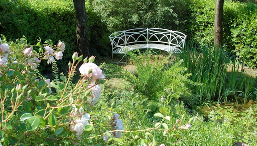 Candida's Chianti House promises a lush green garden with fresh blooms