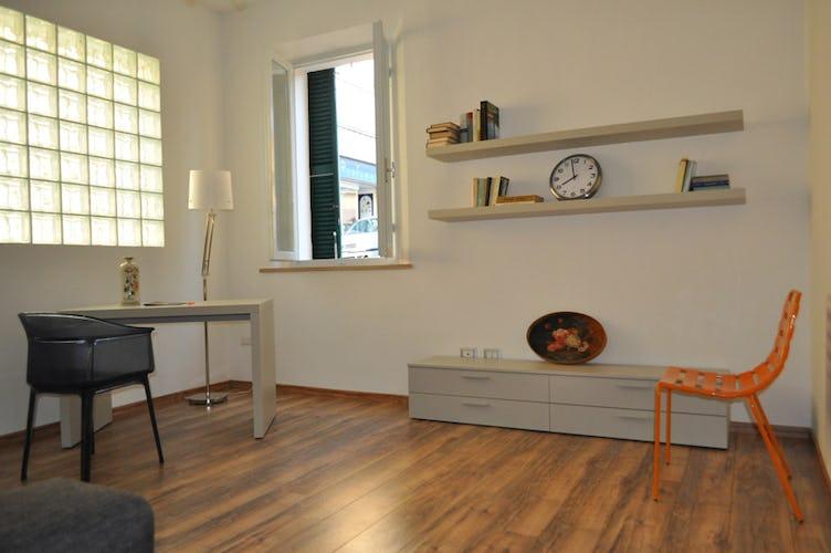 Il soggiorno spazioso, con divano letto ed accesso al wi-fi
