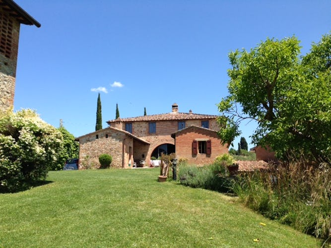 Casa Cernano invites you to enjoy the Tuscany landscape & small towns