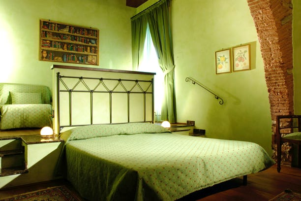 Florence bed and breakfasts florence b b accommodation for Arredamento per bed and breakfast