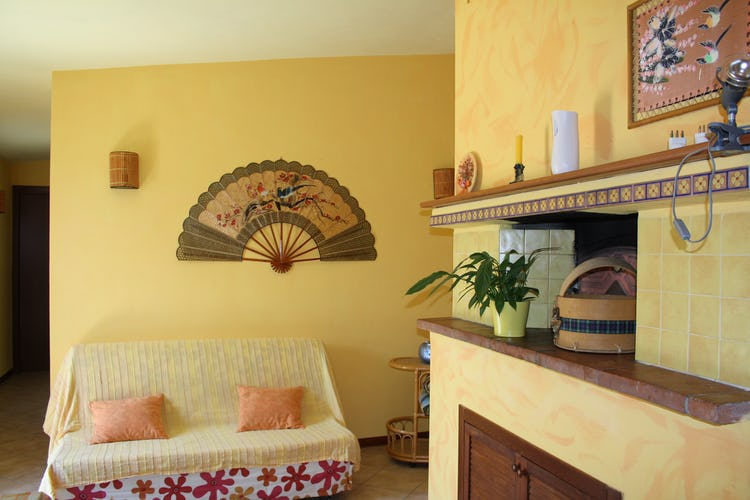 Casa Vacanze i Cipressi and holiday apartments: with a real wood buring oven
