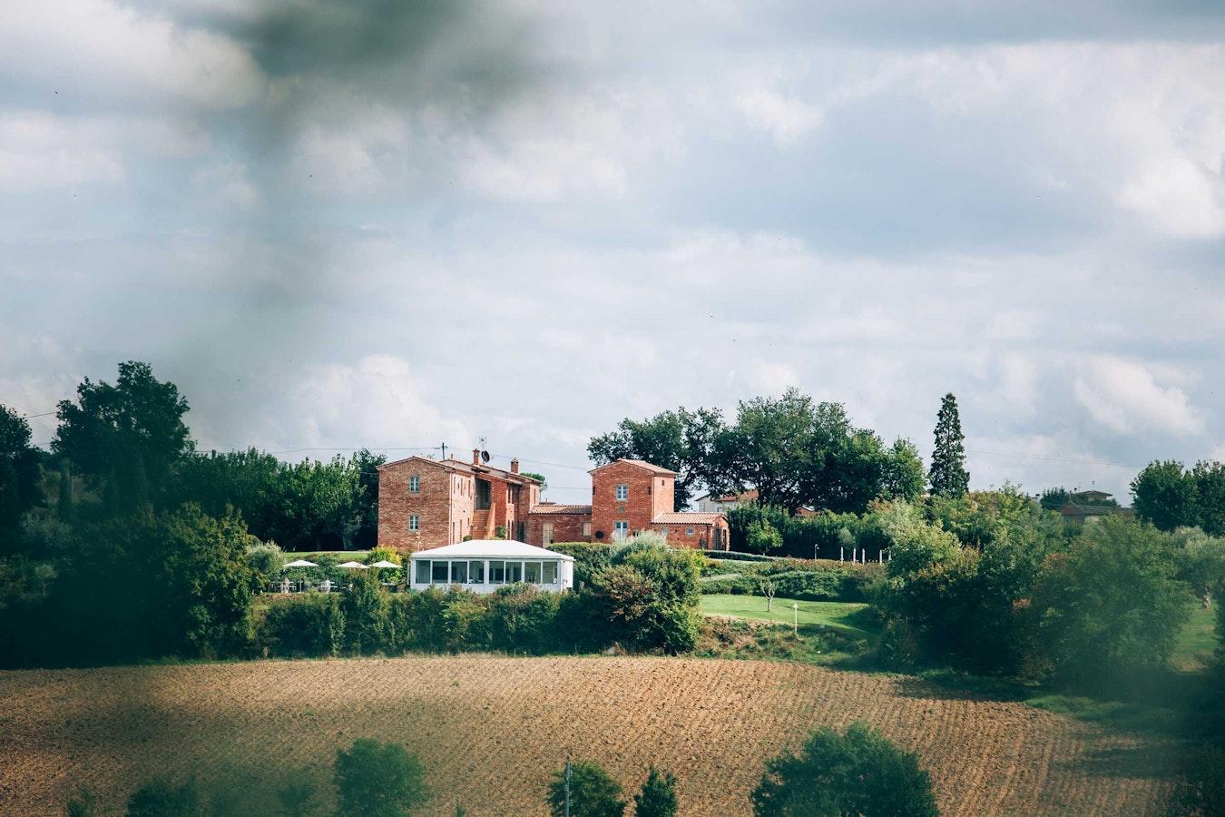 Matrimonio Casale Toscana : Casale cardini camere b e appartamenti a foiano della