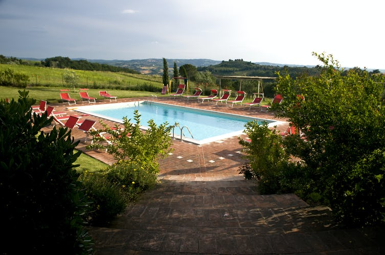 Castello di Cabbiavoli - Poolside View