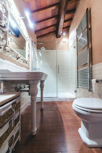 Castello Vicchiomaggio: nei bagni troverai il set di cortesia con prodotti biologici