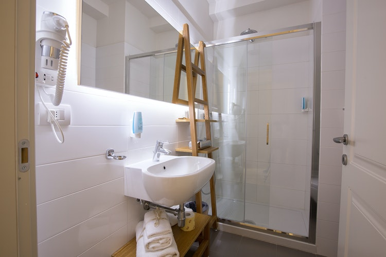 Cocoplaces Apartments: Private bathrooms