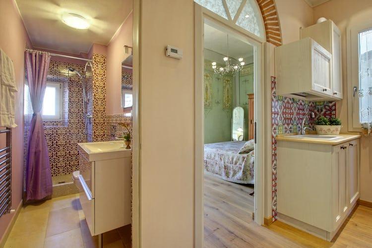 Cupido Vacation Rental Apartment in Florence, Italy:Beautiful decor