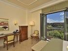 Ammirate il panorama sui tetti di Siena mentre vi riposate in camera