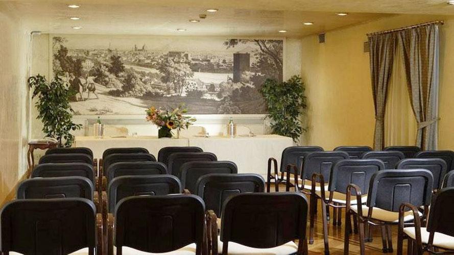 Spaziosa Sala Meeting per 50 persone, Hotel de La Ville