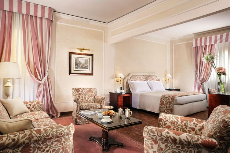 Suite Brunelleschi is spacious and inviting at Hotel de la Ville