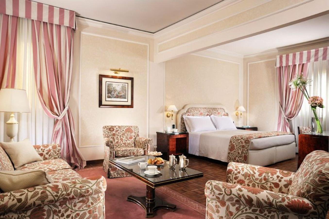 Hotel de la Ville Florence Central 4 Star Luxury Acommodation