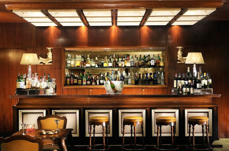 The American Bar at Hotel de la Villa offers drinks and cold dishes