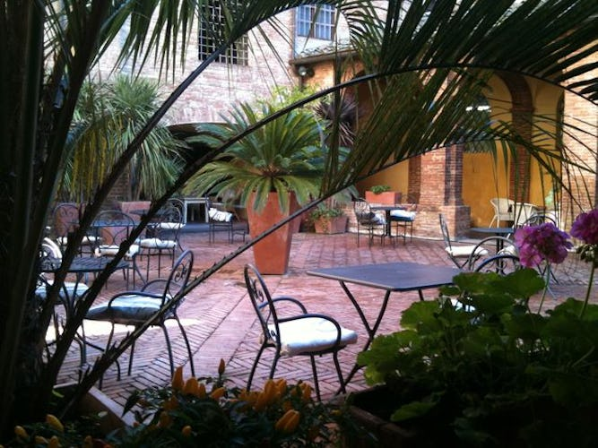 A refreshing place to relax  at il Chiostro del Carmine