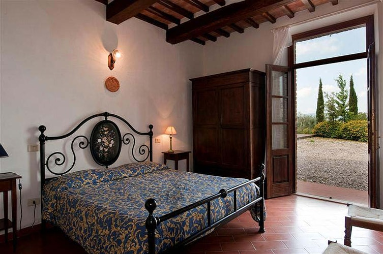 Comfort Tuscan style with fresh air and great views