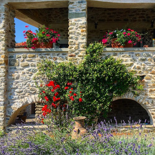 La Loggia Fiorita holiday villa rental surrounded by nature