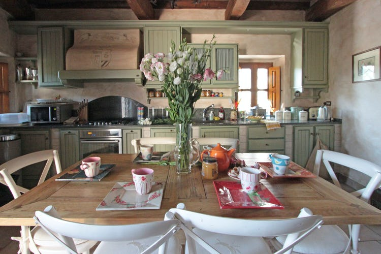 La Loggia Fiorita holiday villa rental with an eat-in kitchen