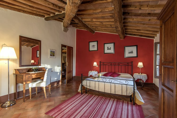 La Rocca di Cispiano: family sized vacation apartments
