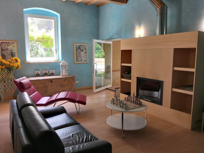 La Villa con gli Archi has a game room with fireplace - perfect for all seasons