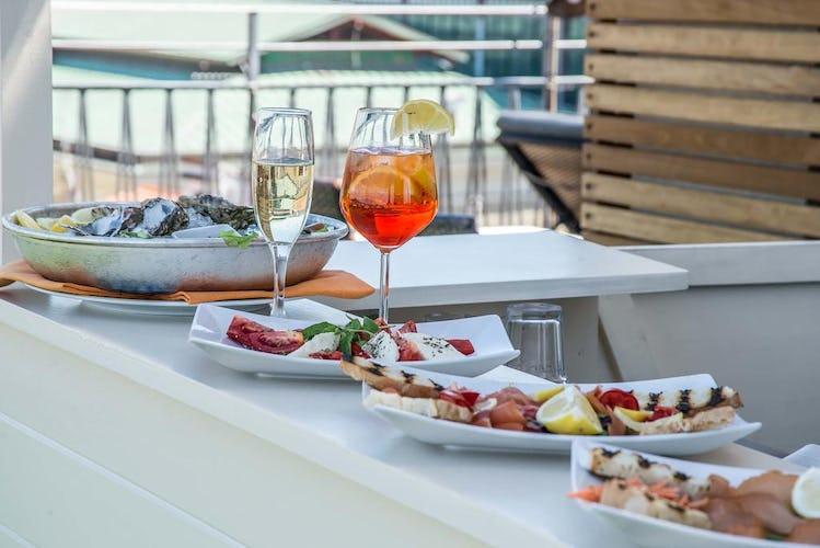 Hotel Machiavelli Palace - drink e stuzzichini assaporati con vista sulle bellezze della città che si distende ai tuoi piedi