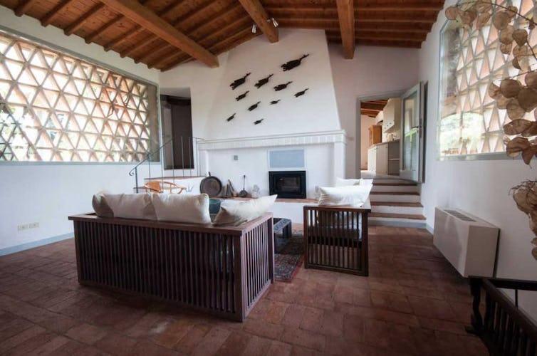Semplici, eleganti, luminosi: questi sono gli ambienti di Montrogoli