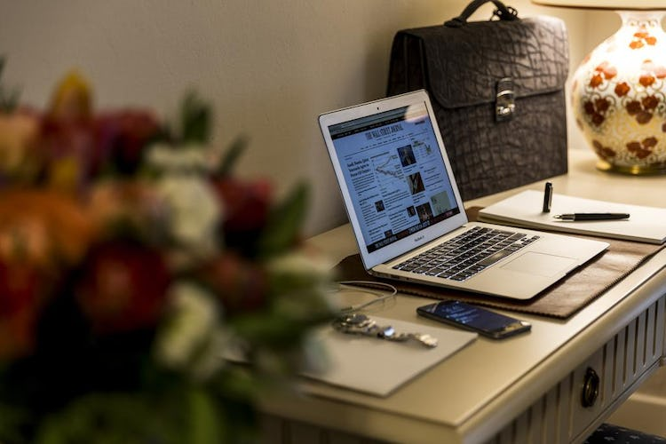 Palazzo Roselli Cecconi Hotel: WiFi and laptop safe in hotel rooms