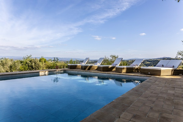 Pool with panoramic views of the San Gimignano countryside