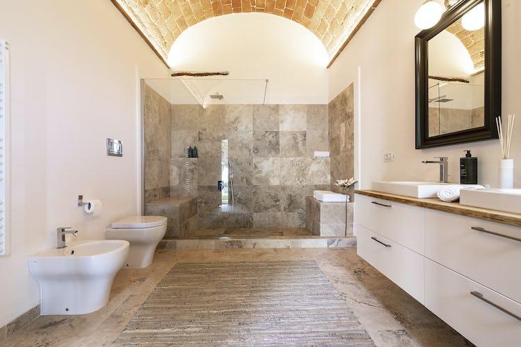 Il bagno di Sole, spazioso e dallo stile raffinato